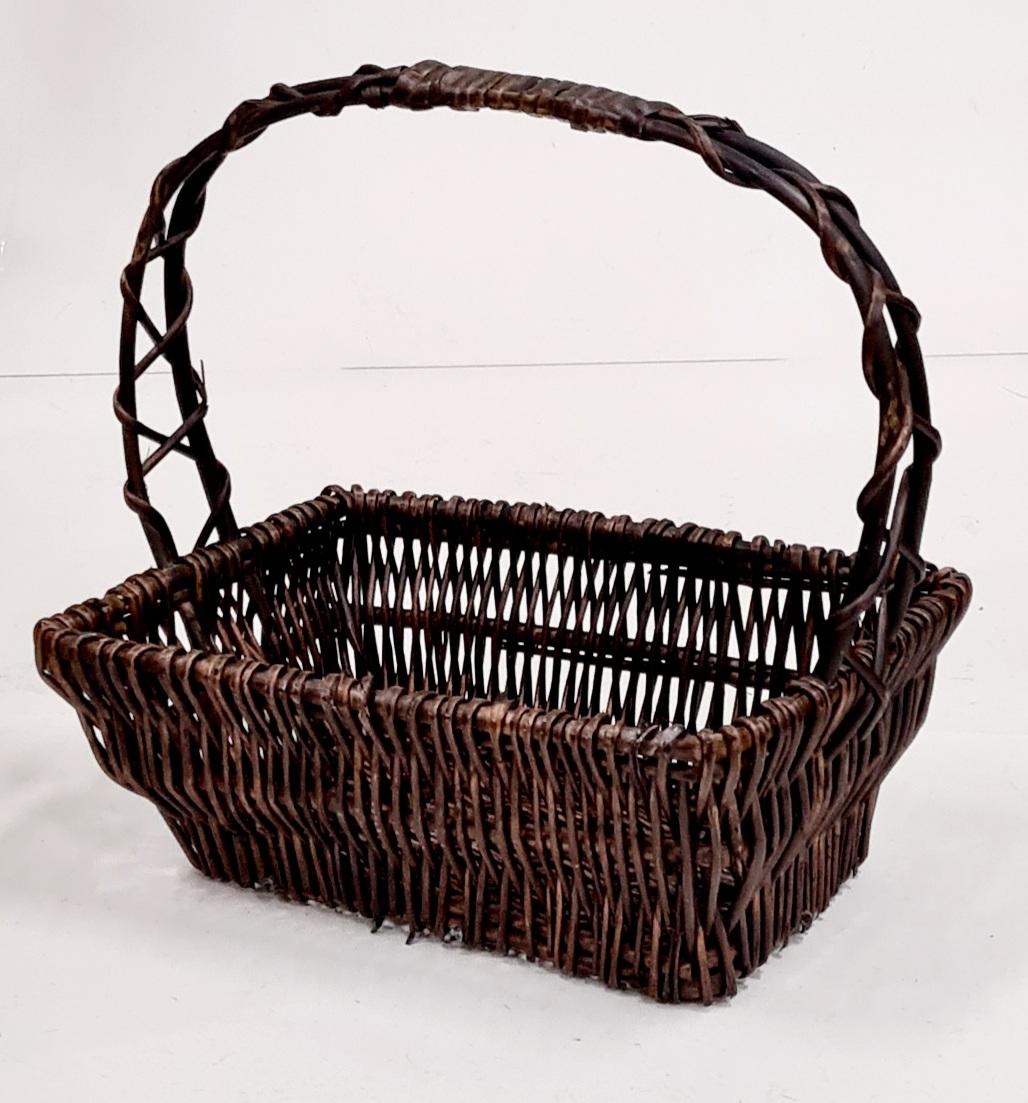 Корзина плетеная из ивовой лозы №3 ивовая лоза, цельный прут коричневый